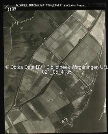 RAF luchtfoto 22-3-1945 - Gevolg van bombardement