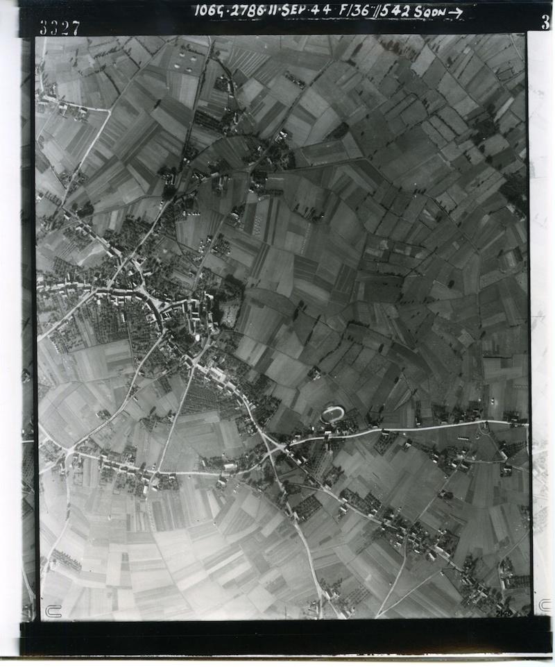 Dotka_RAF_luchtfoto_Budel_1944