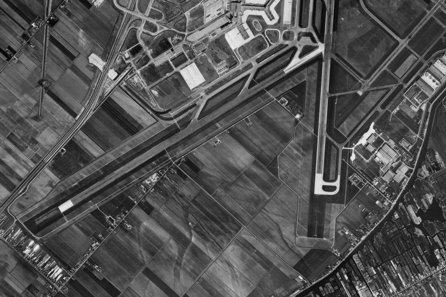 Luchtfoto Schiphol 1967 kreken